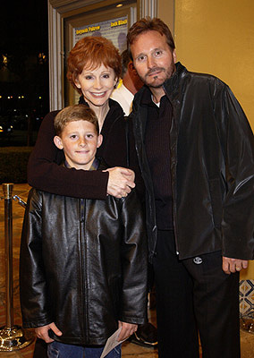 Premiere: Reba McEntire and family at the Westwood premiere of Shallow Hal - 11/1/2001