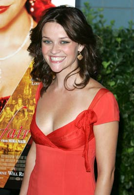 Premiere: Reese Witherspoon at the New York premiere of Focus Features' Vanity Fair - 8/16/2004