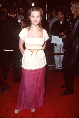 Premiere: Reese Witherspoon at the Westwood premiere of Columbia's Cruel Intentions - 2/25/1999