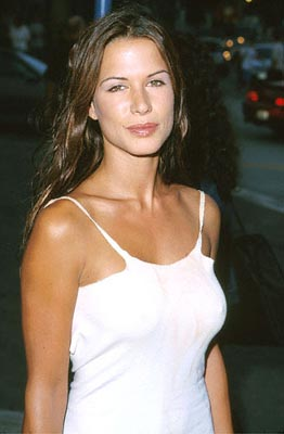 Premiere: Rhona Mitra at the Mann Village Theater premiere of Columbia's Hollow Man - 8/2/2000