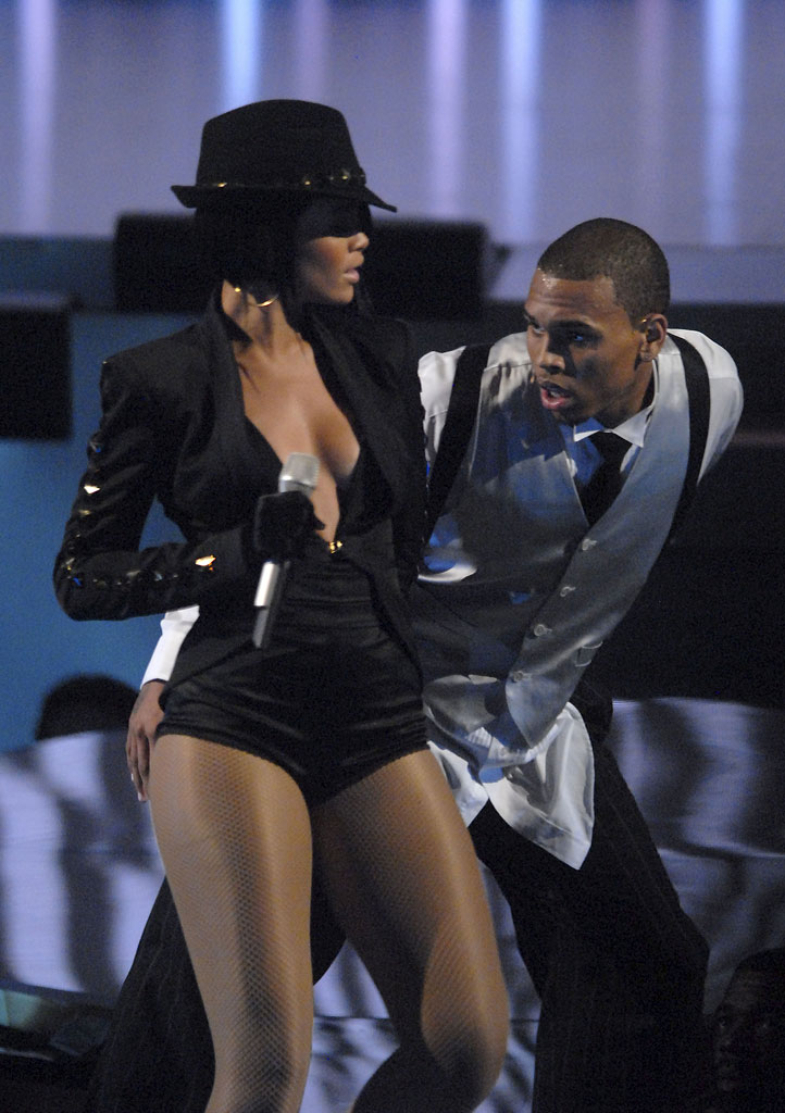 Singers Rihanna and Chris Brown perform onstage at the 2007 Video Music Awards at the Palms Casino Resort.