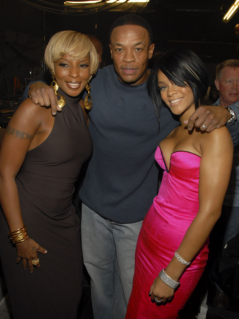 Singer Mary J. Blige, Rapper/Producer Dr. Dre and Singer Rihanna backstage at the 2007 MTV Video Music Awards at The Palms.