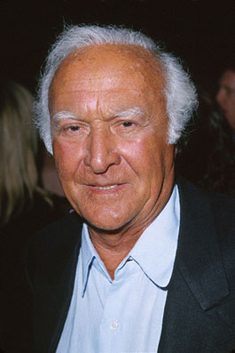Premiere: Robert Loggia at the premiere of MGM's Return To Me - 2000
