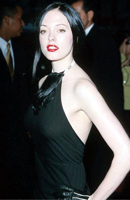 Premiere: Rose McGowan, who played a Nitro Girl in Ready To Rumble, at the Loews Cineplex Century Plaza premiere of New Line's The Cell - 8/17/2000