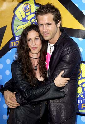 Alanis Morissette and Ryan Reynolds MTV Movie Awards - 5/31/2003