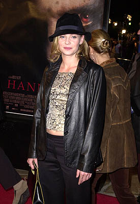 Premiere: Samantha Mathis at the Mann Village Theater premiere of MGM's Hannibal - 2/1/2001