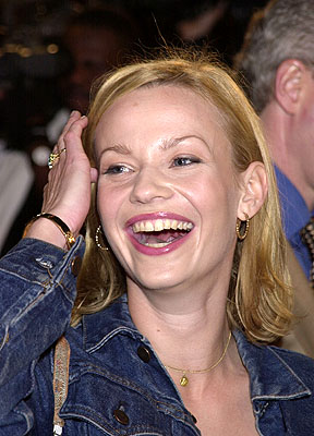 Premiere: Samantha Mathis at the Hollywood premiere of New Line's Blow - 3/29/2001