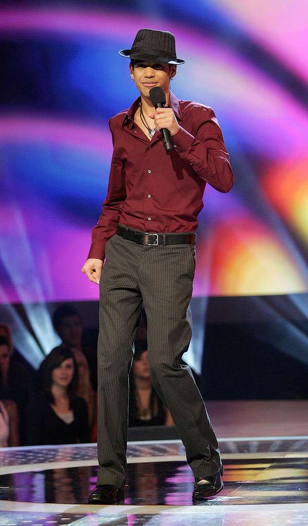 Sanjaya Malakar performs on the 6th season of American Idol.