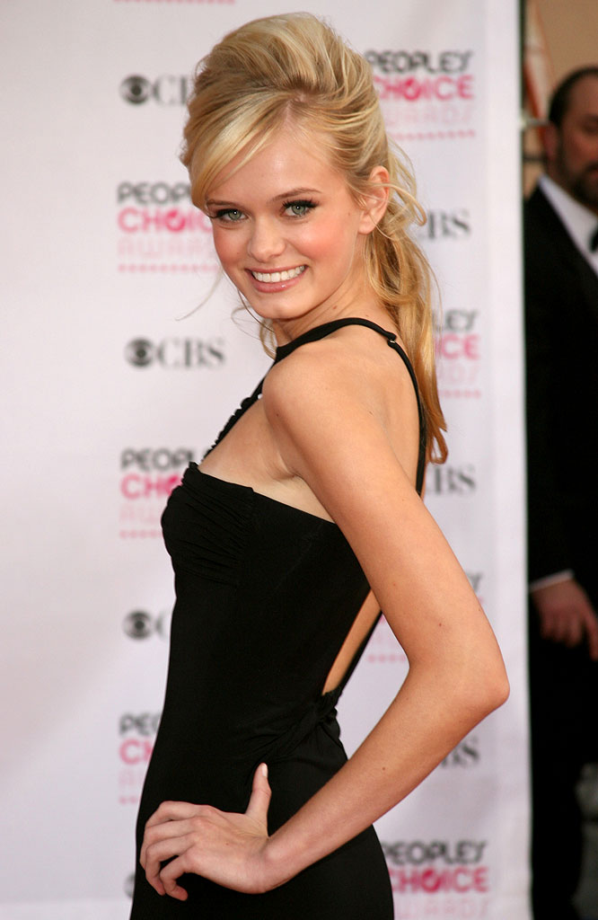 Sara Paxton at The 33rd Annual People's Choice Awards.