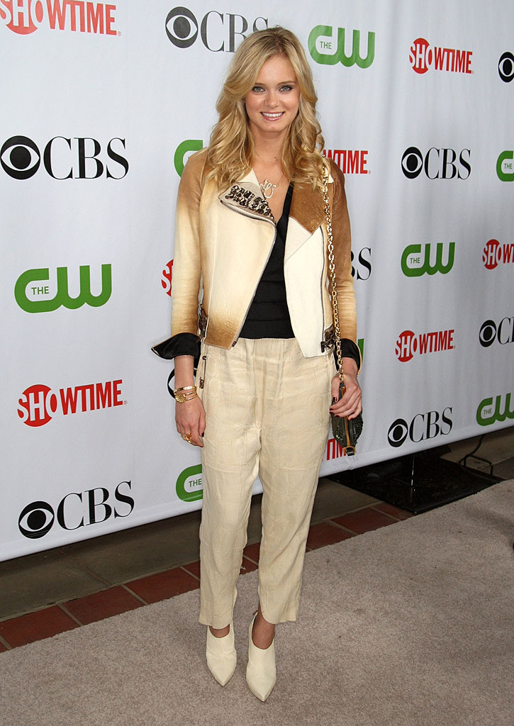 "Sara Paxton (""The Beautiful Life"") arrives at the CBS, The CW, and Showtime 2009 TCA Summer Tour All-Star Party held at the Huntington Library on August 3, 2009 in Pasadena, California."