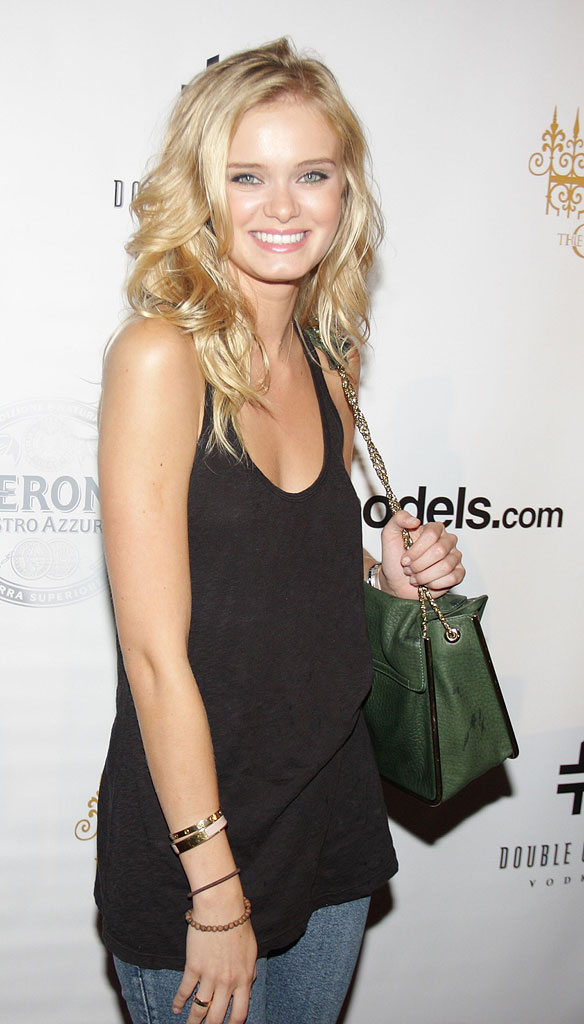 Sarah Paxton attends The Model Home Project's The Power of WE pre-launch celebration at The Gates on July 29, 2009 in New York City.