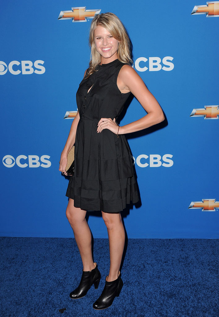 "Sarah Wright of ""How I Met Your Mother"" arrives at the CBS Fall Season Premiere party at The Colony on September 16, 2010, in Los Angeles."
