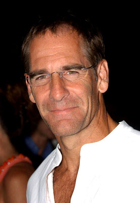 Premiere: Scott Bakula at the Hollywood premiere of Warner Independent Pictures' Criminal - 8/30/2004