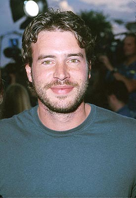 Premiere: Scott Foley at the Mann Village Theater premiere of Columbia's Hollow Man - 8/2/2000
