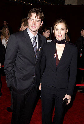 Scott Foley and Jennifer Garner 53rd Annual Emmy Awards - 11/4/2001