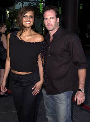Premiere: Jennifer Gimenez and Scott Patterson at the Los Angeles premiere of Miramax's The Others - 8/7/2001