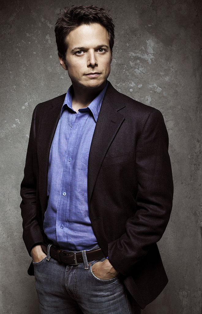 Scott Wolf stars as Jeremy Kates in The Nine on ABC.