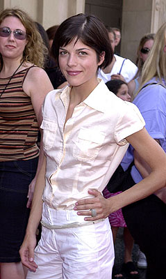 Premiere: Selma Blair at the Hollywood premiere of Walt Disney's The Princess Diaries - 7/29/2001
