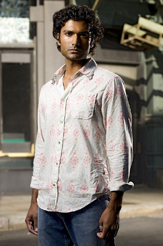 Sendhil Ramamurthy as Mohinder Suresh in Heroes on NBC.