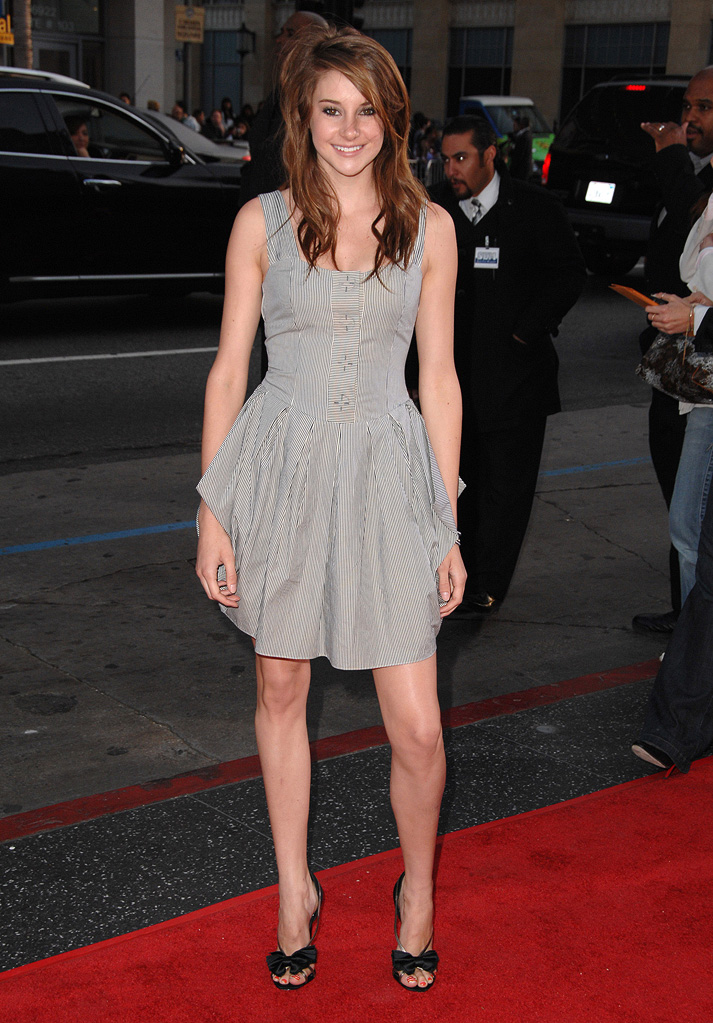 "Shailene Woodley arrives at the Los Angeles premiere of ""17 Again""  on April 14, 2009 in Hollywood, California."