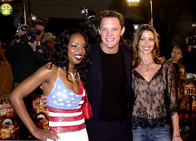 Premiere: Rah Digga, Matthew Lillard and Shannon Elizabeth at the Westwood premiere of 13 Ghosts - 10/23/2001