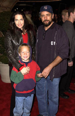 Premiere: Sheila Kelley, Richard Schiff and child at the Westwood premiere of Warner Brothers' Harry Potter and The Sorcerer's Stone - 11/14/2001