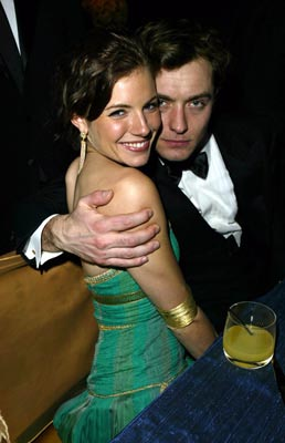 Sienna Miller and Jude Law Governor's Ball 76th Academy Awards - 2/29/2004