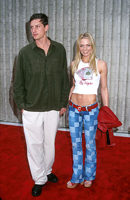 Premiere: Simon Rex and Jaime Pressly at the Hollywood premiere of Columbia's Joe Dirt - 4/1/2001