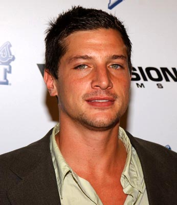 Premiere: Simon Rex at the LA premiere of Dimension's Scary Movie 3 - 10/20/2003