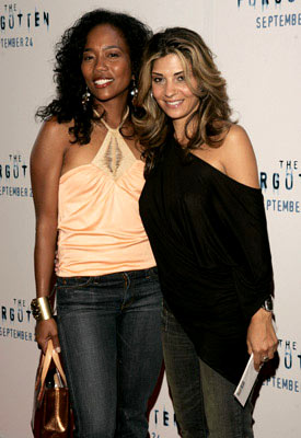 Premiere: Sonja Sohn and Callie Thorne at the New York premiere of Revolution Studios' The Forgotten - 9/21/2004