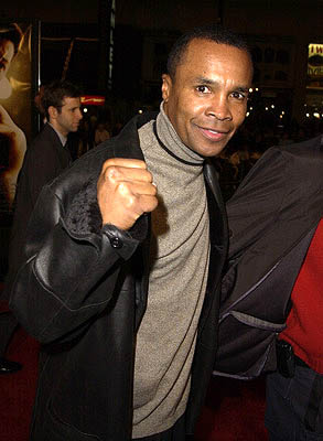 Premiere: Sugar Ray Leonard at the Hollywood premiere of Ali - 12/12/2001