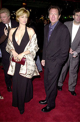 Premiere: Tea Leoni and Garry Shandling at the Hollywood premiere of Universal's The Family Man - 12/12/2000