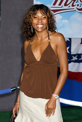 Premiere: Taraji P. Henson  at the Hollywood premiere of Touchstone Pictures' Mr. 3000 - 9/8/2004