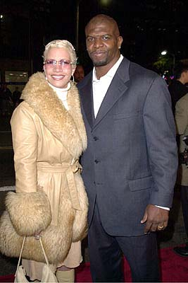 Premiere: Terry Crews and his gal at the Mann's National Theater premiere of Columbia's The 6th Day - 11/13/2000