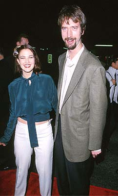 Premiere: Drew Barrymore and Tom Green at the Mann's Chinese Theater premiere of Columbia's Charlie's Angels - 10/22/2000