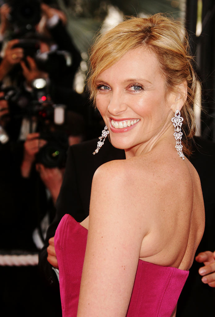 Toni Collette arrives at the premiere of 'My Blueberry Nights' at the 60th International Cannes Film Festival Opening Ceremony on May 16, 2007 in Cannes, France.