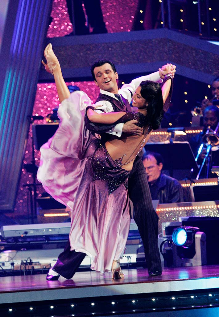 "Melissa Rycroft and Tony Dovolani perform the Foxtrot to ""Recipe for Love"" by Harry Connick Jr. on ""Dancing with the Stars."""