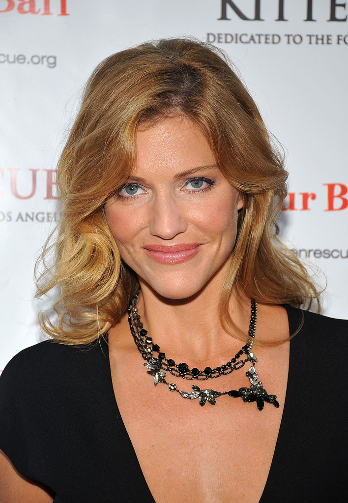 Tricia Helfer arrives at the animal rescue group Kitten Rescue's First Annual 'Fur Ball' Celebration, held at the Skirball Cultural Center on September 14, 2008