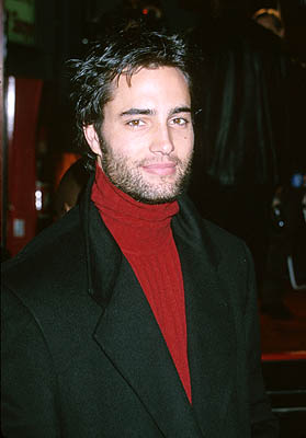 Premiere: Soap star Victor Webster at the Hollywood premiere of Warner Brothers' Miss Congeniality - 12/14/2000