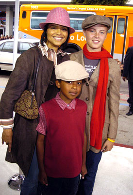 Premiere: Victoria Rowell and kids at the Hollywood premiere of Warner Bros. The Polar Express - 11/7/2004