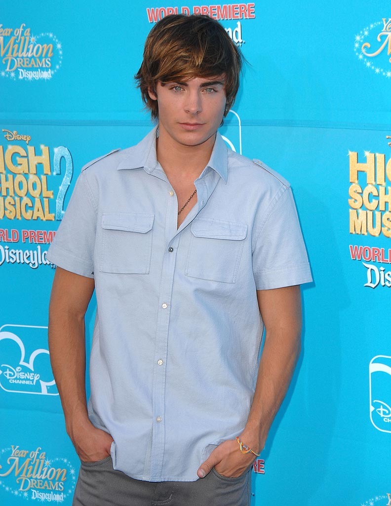 Zac Efron arrives at the premiere of High School Musical 2 at the Downtown Disney District at Disneyland Resort .