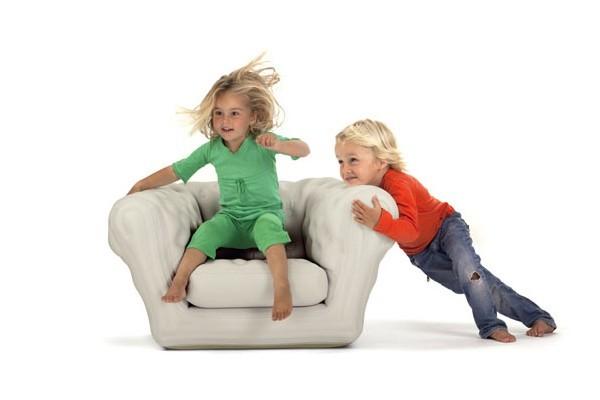 Muebles hinchables para inflar, usar y guardar