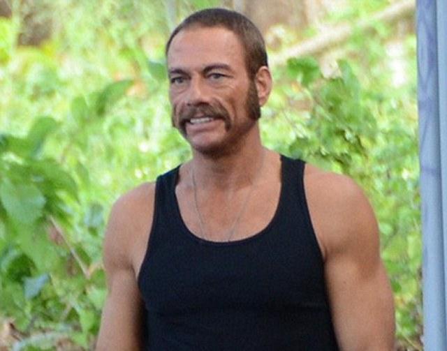 El bigote alucinante de Jean-Claude Van Damme