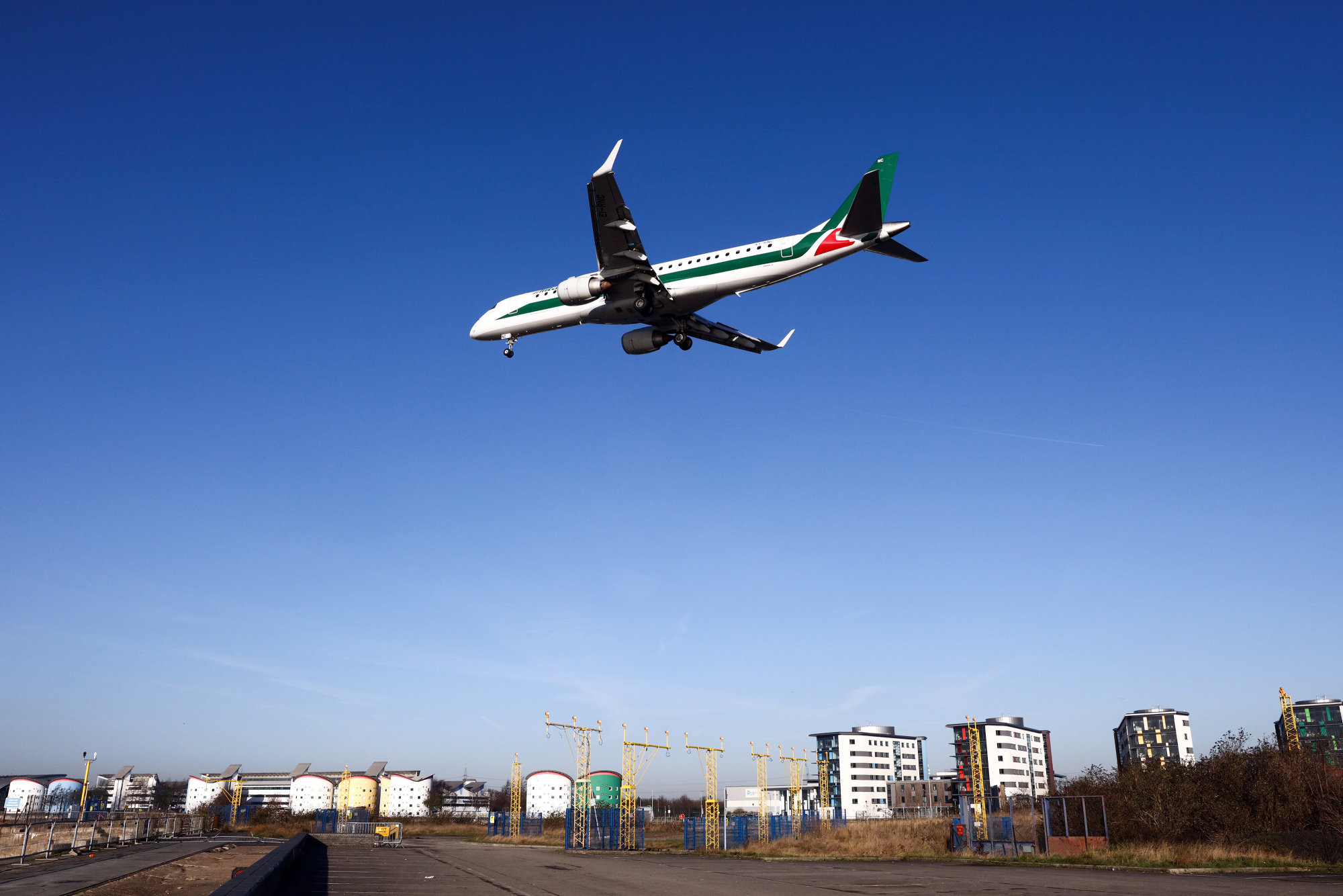 达美信游娱乐注册在率先收购意大利航空的比赛