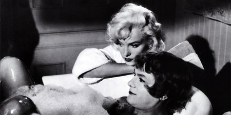 Etoiles et  toiles - Page 3 3438739_3_daae_marilyn-monroe-et-tony-curtis-dans-certains_0bf6ae93a878c9f362b377105276dd3f