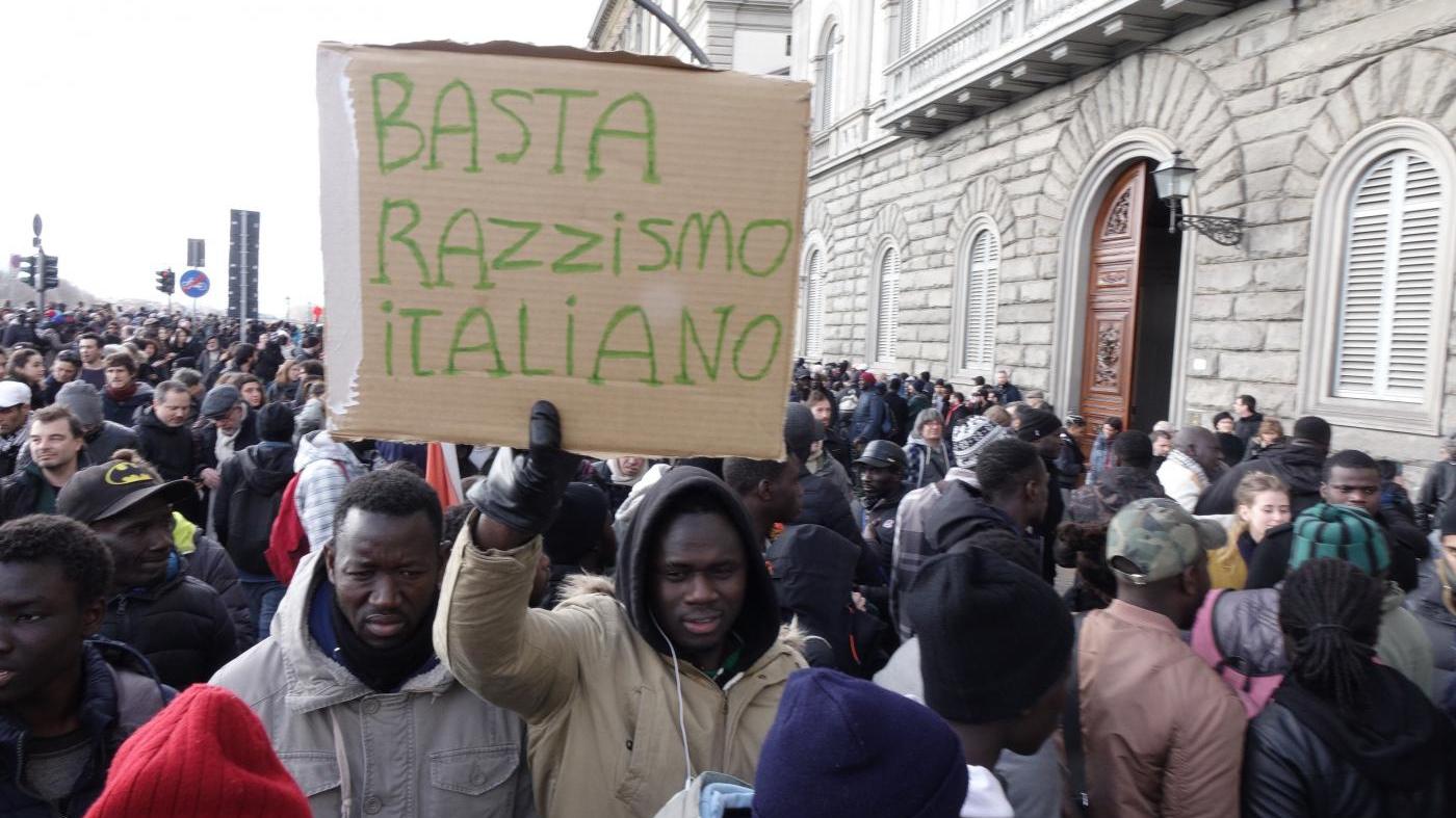 Senegaleses y mentiras