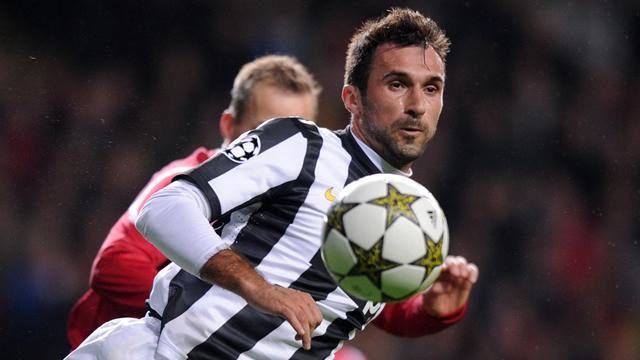 Champions League - Vucinic salva la Juve, ma l'1-1 serve a poco