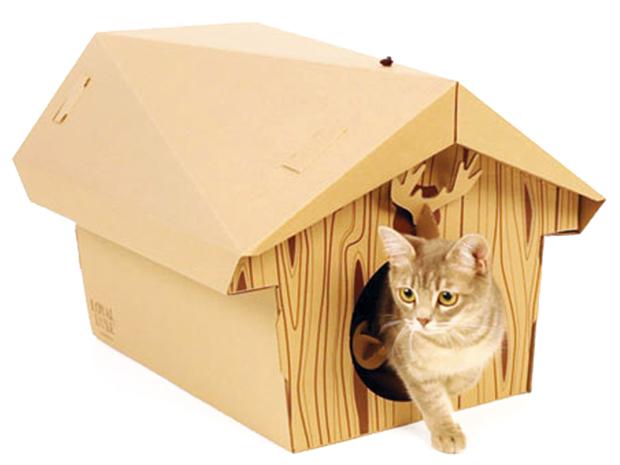 Так почему бы не сделать такой домик для кота из подручных средств.  После покупки крупных бытовых.