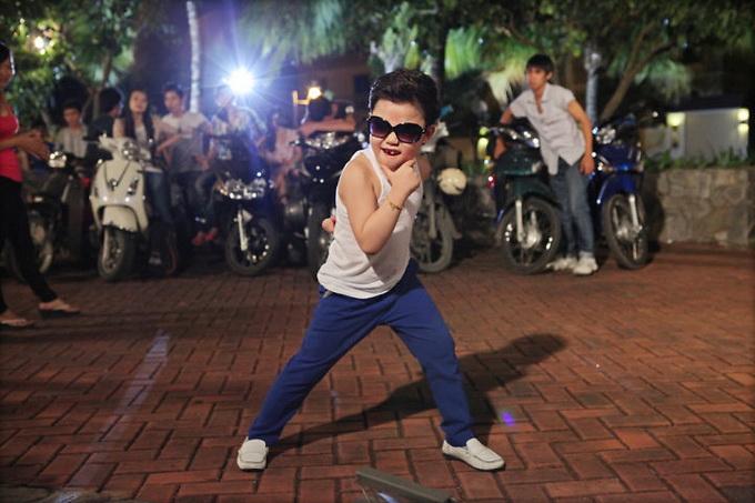 """Tiểu Psy đến Việt Nam ra mắt phim """"Lọ Lem Sài Gòn"""" ImageView 20130527 040913 404"""