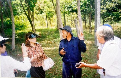 Sáng tỏ cuộc tìm mộ của Bích Hằng ở Phú Quốc S_ng_t__cu_c_t_m_m_-d6bcb95c05e1648bcd029a2d6b38dd35